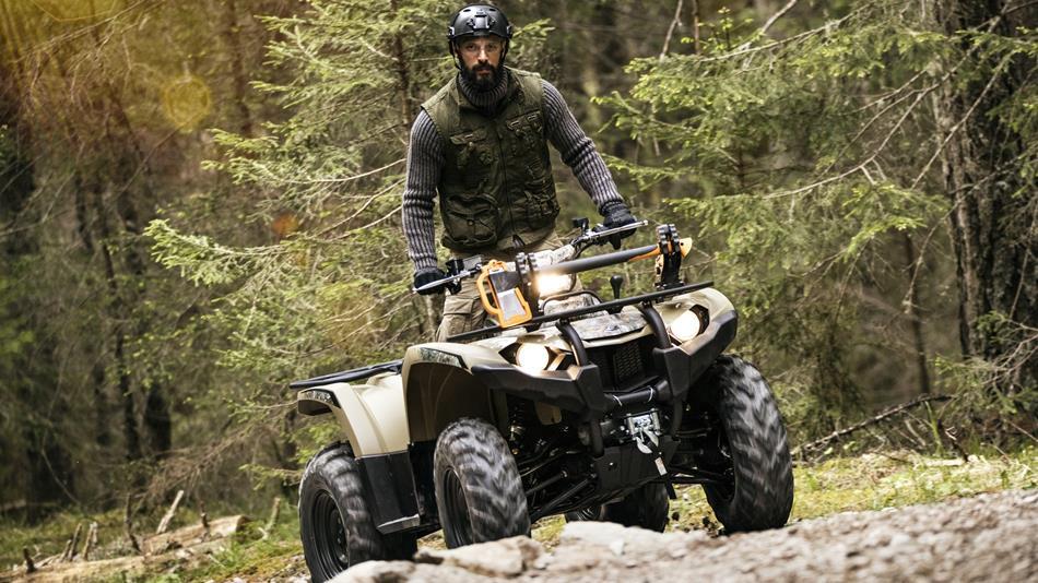 2018-Yamaha-YFM450FWBD-EU-Tan-Camouflage-Action-010