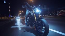 2018-Yamaha-MT09SP-EU-Silver-Blu-Carbon-