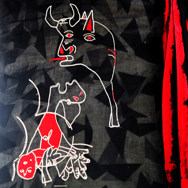 Machine Embroidery with Picasso's Gernika motiffs