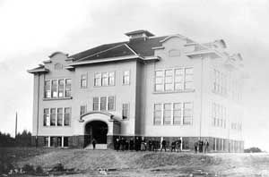 university-heights-school-seattle-1902.j