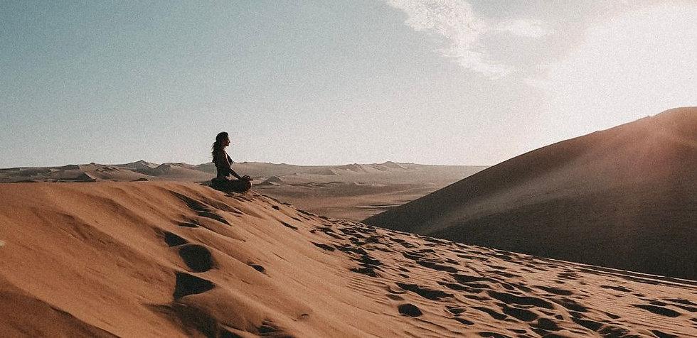 Namastree-Yoga-Wüste-Reise-Sonnenunterg