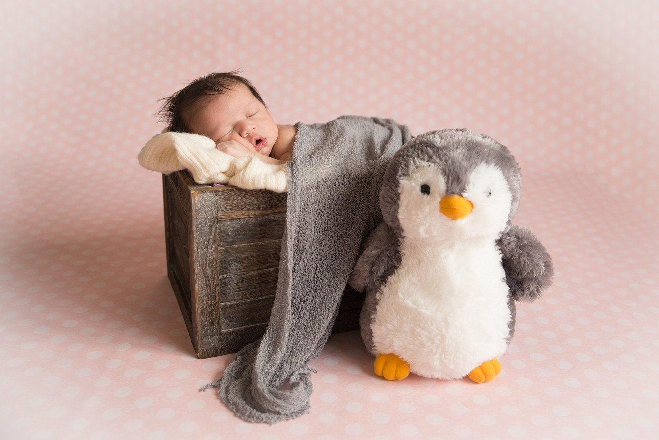 Gabi Newborn--10.jpg