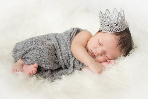 Gabi Newborn--7.jpg