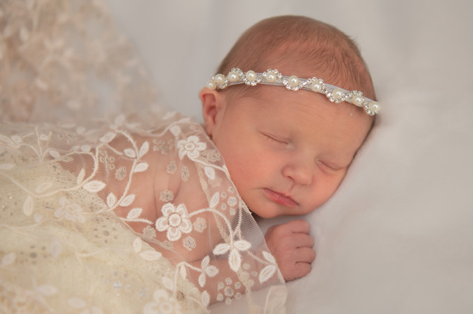 Caroline's Newborn Photos--3.jpg