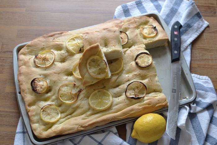 Lemon & Rosemary Focaccia - My first focaccia <3