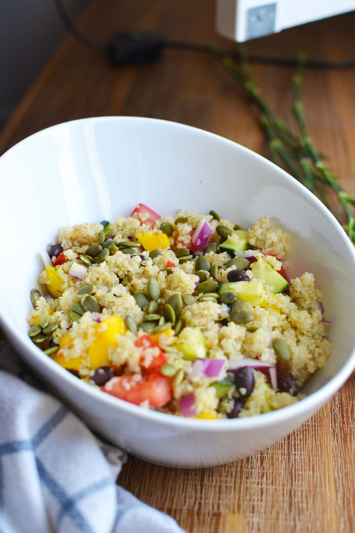 Mango & Pepita Quinoa Salad - Perfect salad for an al fresco meal