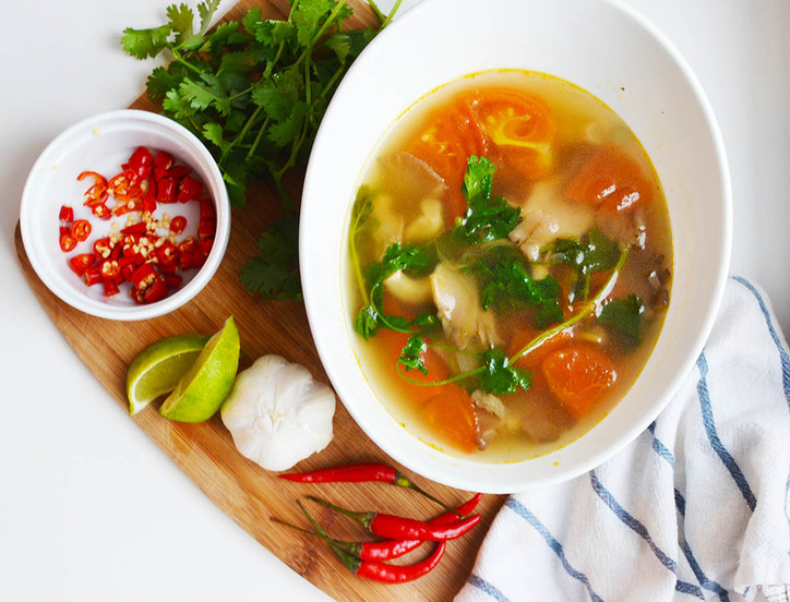 Spicy Lemongrass Soup - With Mushrooms and Tomato