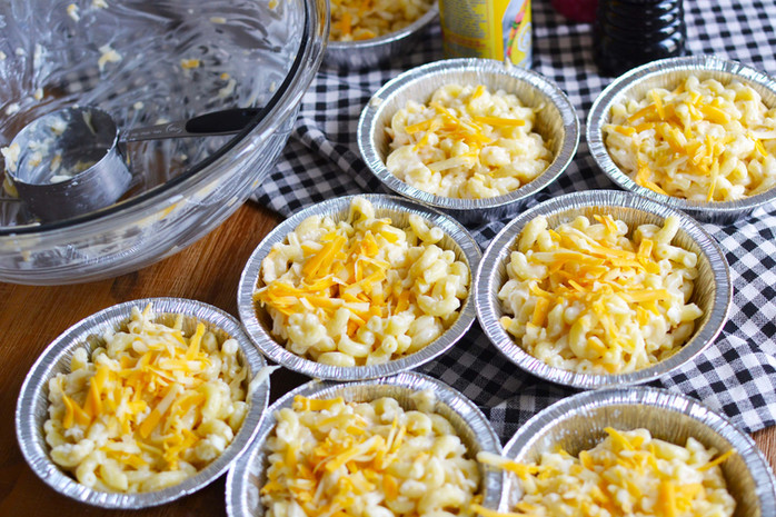 Campfire Mac & Cheese - a MUST for your next camping trip!