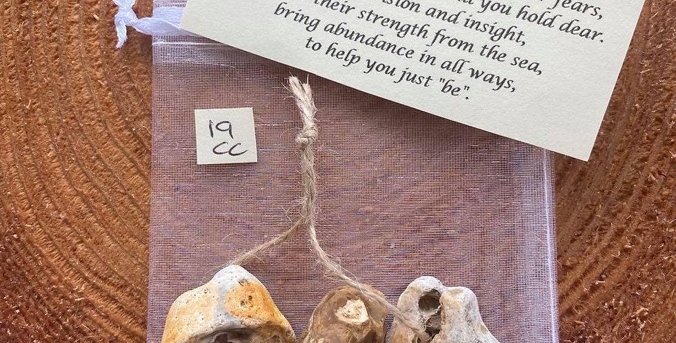Hag stone trio 19 - MEDIUM - Protection amulet with blessing