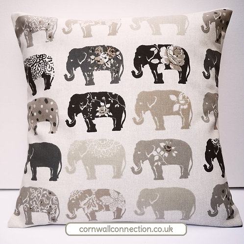 Elephants cushion cover - Elephant print - Wildlife cushion cover