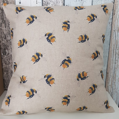 BUMBLE BEES cushion cover - Large yellow bees on a linen look background