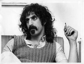 Frank Zappa BlackAndWhite 01.jpg