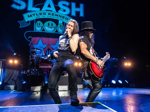 Slash Ft Myles Kennedy Released on DVD+CD, BLU RAY+CD, 3LP Digital Video + Audio 20th September