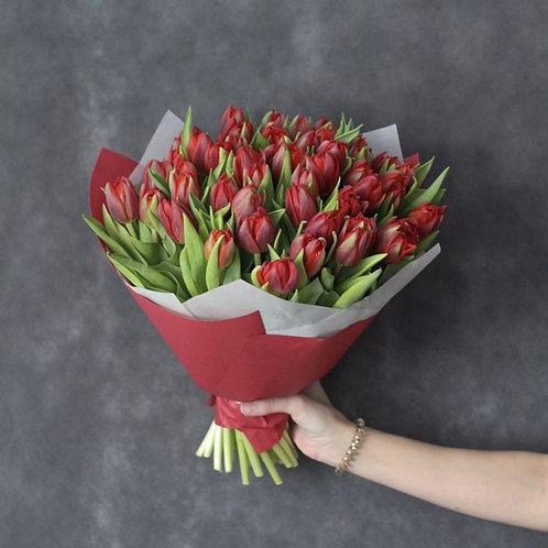 Букет из 51 сортового тюльпана