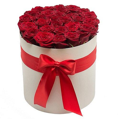 23 роз в шляпной коробке