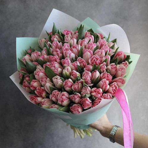 Букет из 101 сортового тюльпана
