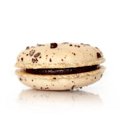 Cookies 'n Cream Macaron