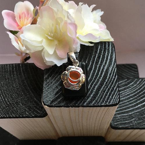 Heiligbeen-sacraal chakra zilver hanger cornalijn