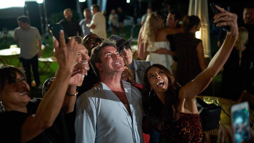 Simon Cowell Selfie