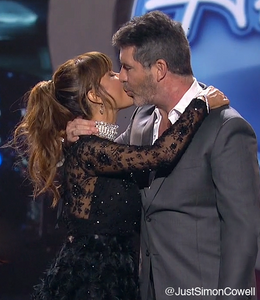 Simon Cowell and Paula Abdul at the American Idol Finale