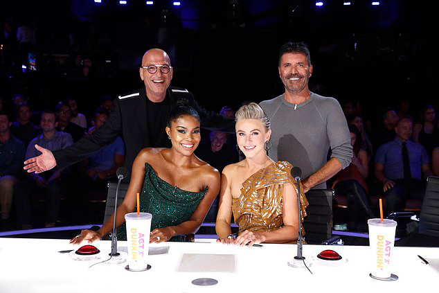 Simon Cowell with Howie Mandel, Gabrielle Union and Julianne Hough at America's Got Talent