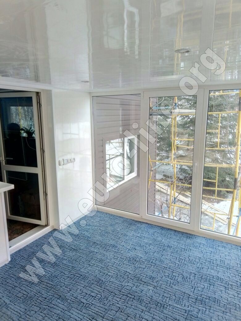 Отделка балкона дачного дома