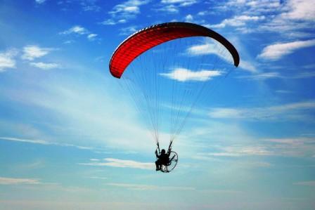 Paraglider ueber Golf von Mexico