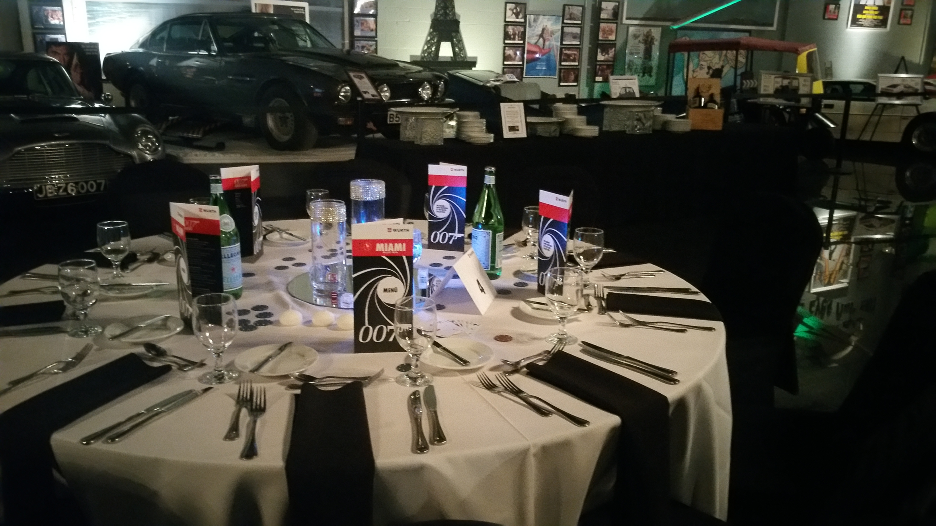 007 Table Set Up