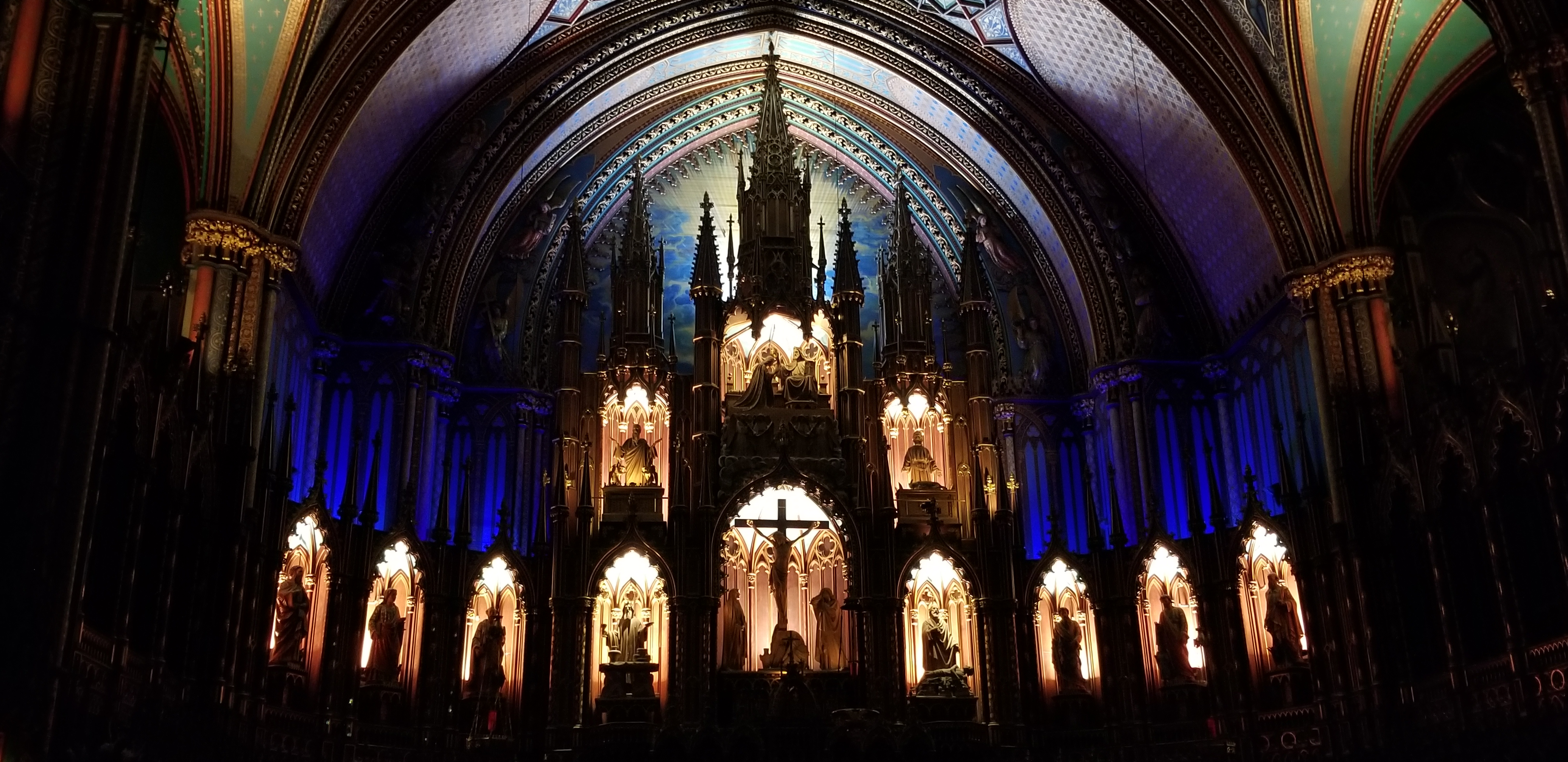 Aura Montreal