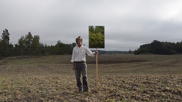 Performance with mirror in a recently plowed field