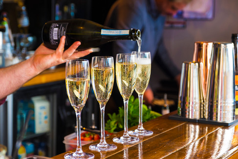 champagne-pouring.jpg