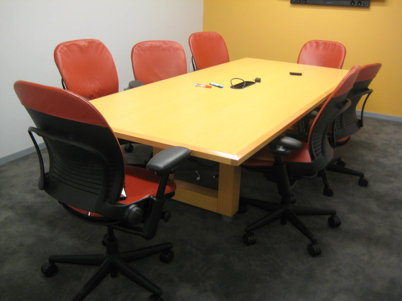 8. CONFERENCE TABLE 8'