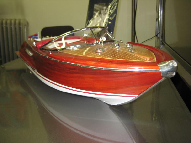 2. Chris Craft Wooden Speed Boat