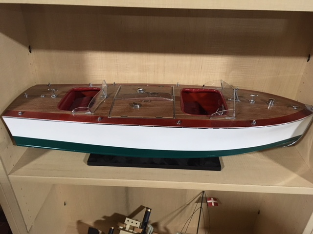 #101. Cruise boat prop