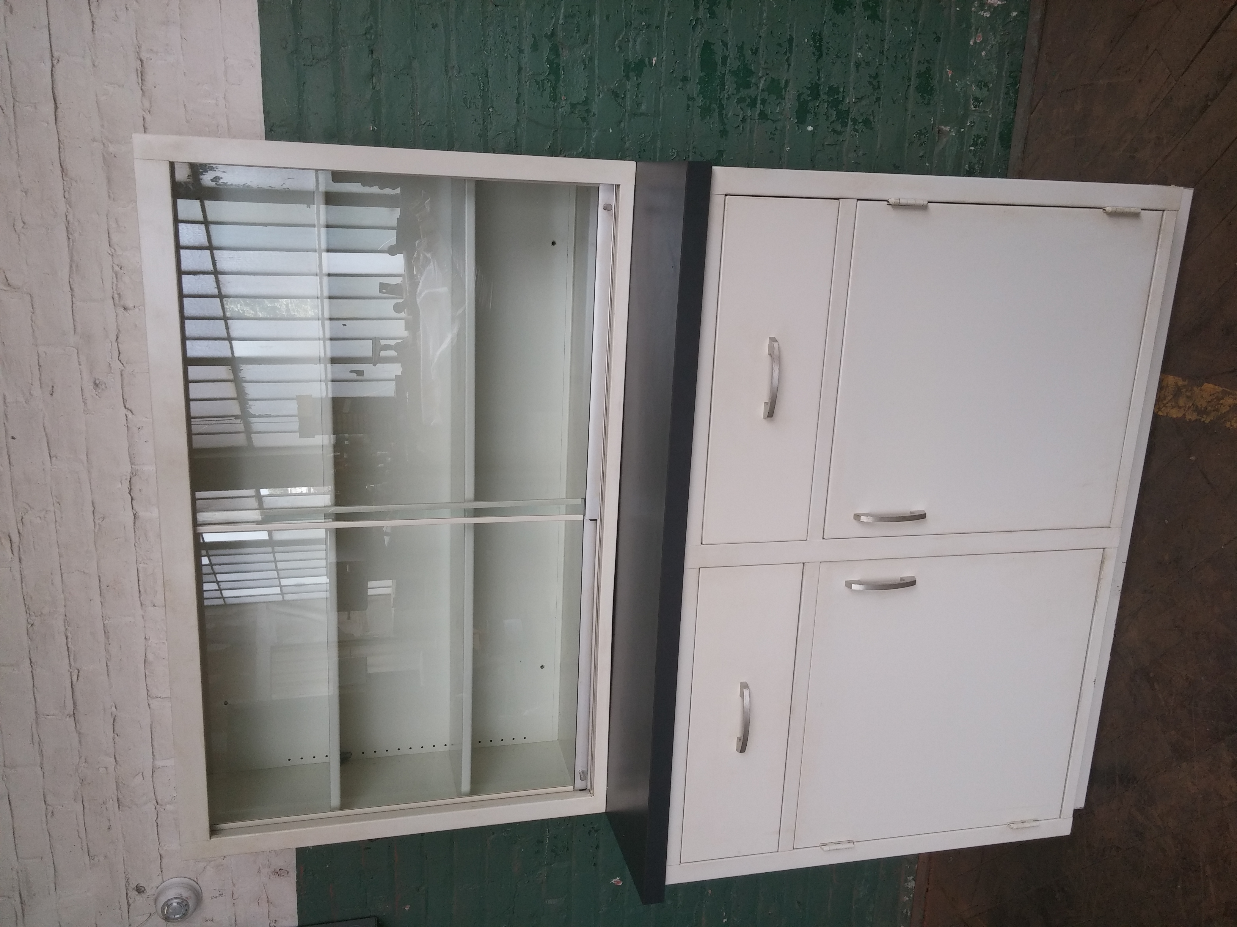 #93 White Medical Cabinet pic 2