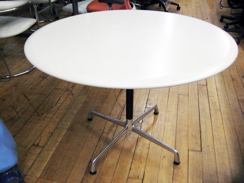 33.Knoll Round Conference Tab 48''