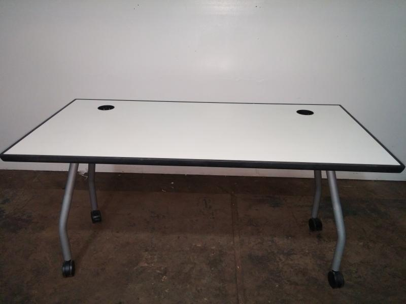 24. Table 30x60