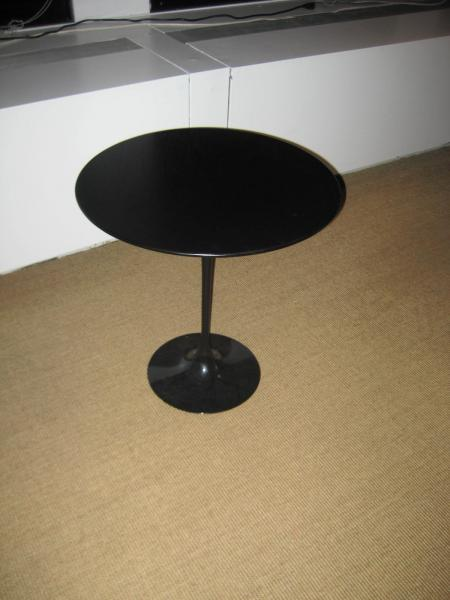 61. Saarinen Vintage Black Table