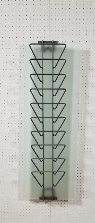 112. Wire Wall Rack