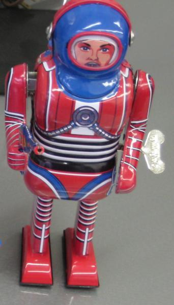 32. Tin Robots
