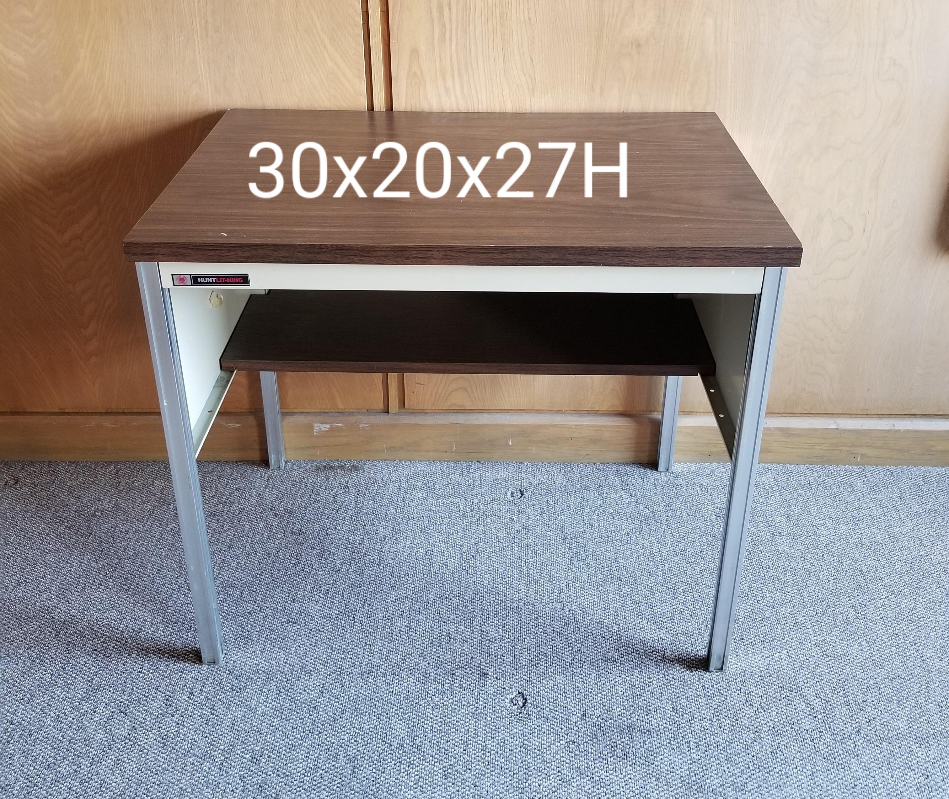 #250. Table 30x20x27