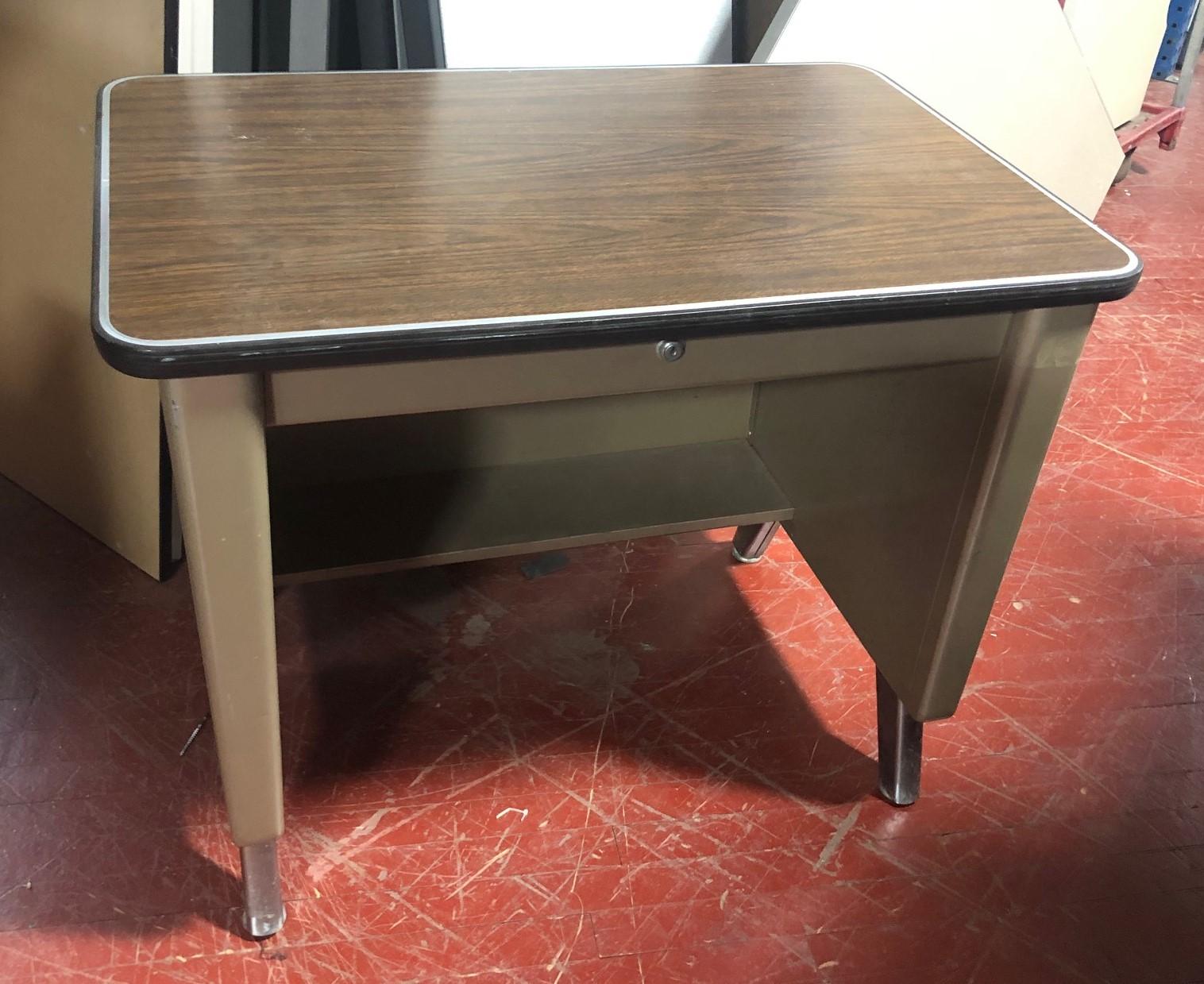 #258. 34X36 Vintage Table