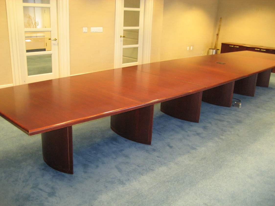 133. Mahogany Table 22'x48x60
