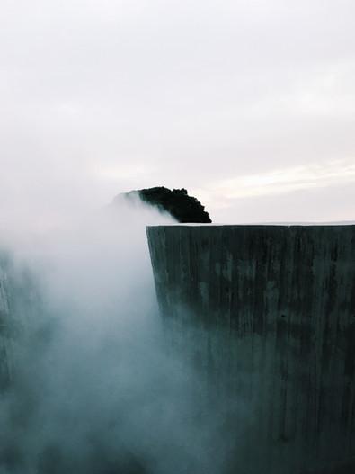 合作  MOT TIMES 明日誌_港灣邊的灰色山谷:「高雄水水」