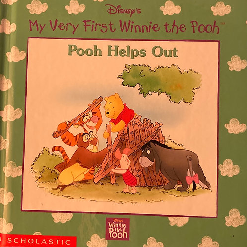 My Very First Winnie the Pooh Pooh Helps Out