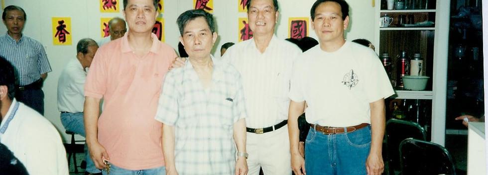 2000F8.jpg