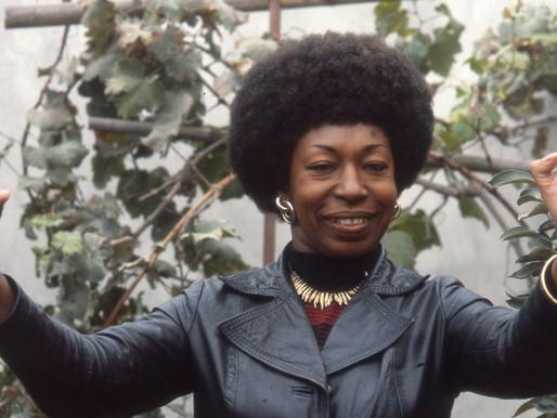 Victoria Santa Cruz Gamarra (1922 - 2014)