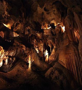 jenolan-caves-sydney.jpg