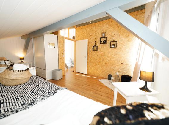 Zwei Einzelbetten oder ein Auszugsbett und ein Einzelbett sind möglich