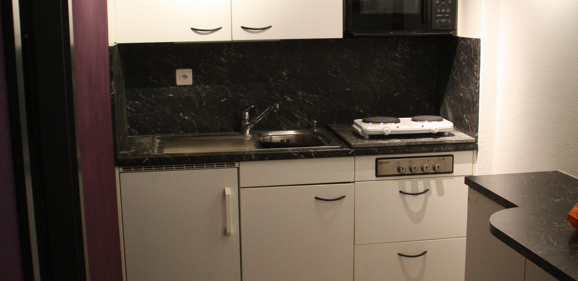 Küche, komplett eingerichtet